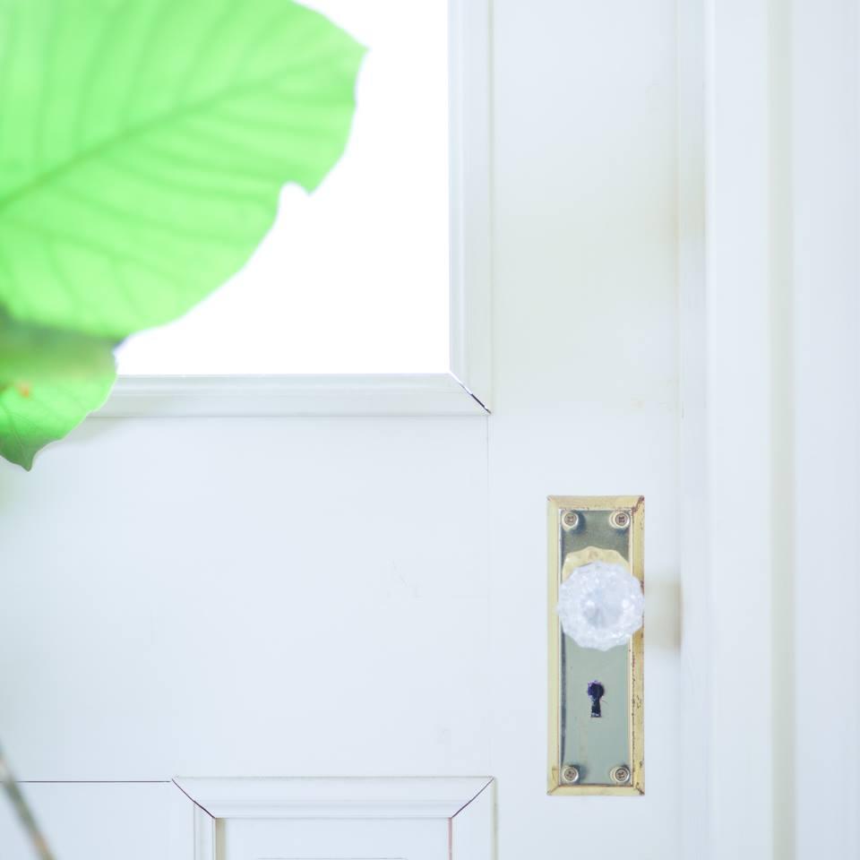 アトリエの入り口ドア